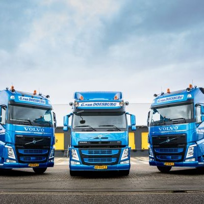 Fleet expansion with 2 Volvo FH and 1 Volvo FM